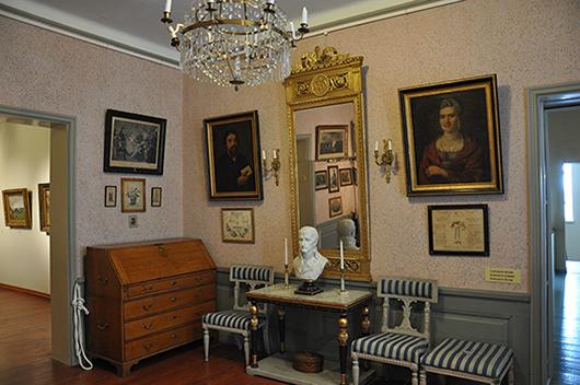 Napoleonrummet är inrett i empirestil.