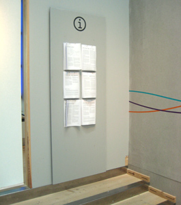 Utställningen har ett stort antal informationsblad.