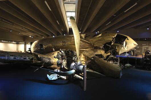 Under ett halvt sekel vilade vraket efter DC-3:an på havsbotten.