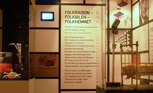 """""""Radion är nuets barn på samma sätt som en daglig tidning"""", fastslår Radiotjänst i sin verksamhetsberättelse 1932."""