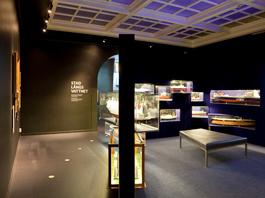 Touch-skärm och ljudinspelningar är exempel på interaktivitet i utställningen.