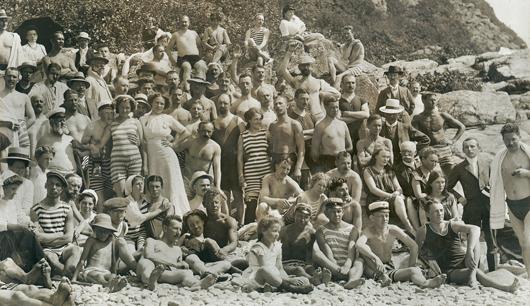 Nu var det 1914 och badsäsong i Mölle. Foto: Peter P. Lundh, Nordiska museet