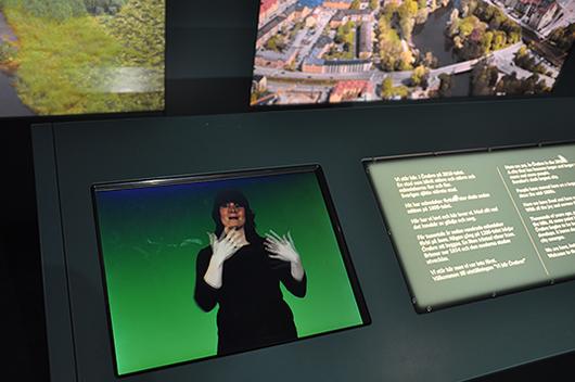 Vi blir Örebro utgår från stadens 750 år långa utveckling från en ganska oansenlig handelsplats till en växande storstad, just nu Sveriges sjätte största, känd t.ex. för sitt riksgymnasium för döva och hörselskadade.
