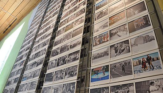 Alla digitala stationer fungerade vid mitt besök men tre av de fyra jättelika bildsnurrorna med örebroarnas egna fotografier stod stilla, den analoga mekanismen till trots.