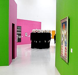Samtida konstnärer förvaltar arvet från de döda surrealisterna.