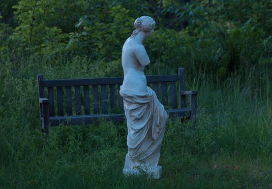Cecilia Edefalks tolkning av den lite smutsiga men ändå vitskimrande Venus. Foto: Carl Henrik Tillberg.