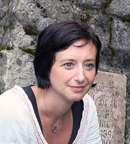 Katherine (Katty) Hauptman var projektledare för Jämus och sitter nu som sekreterare för Museiutredningen. I vanliga fall ansvarar hon bl.a. för forskning om kommunikation och publik på Historiska museet i Stockholm.