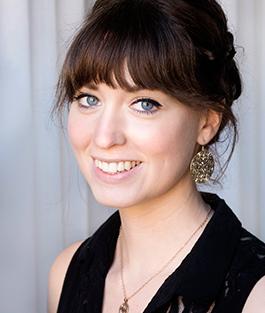 Bokens andra redaktör, Kerstin Näversköld, är arkeolog och specialist på vikingatiden. Hon arbetar som antikvarie på Historiska museet.
