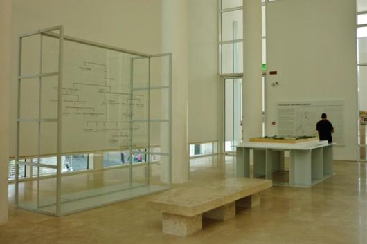 Avhandlingen analyserar olika slags utställningsrum, bland annat informationsområdet i utställningshallen på Museo dell'Ara Pacis i Rom. Foto: Märit Simonsson