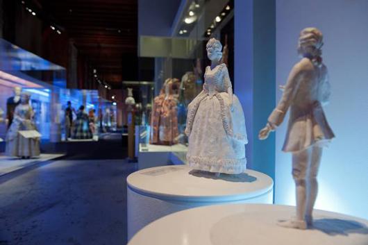 Taktila figurer i utställningen Modemakt, Foto: Karolina Kristensson, Nordiska museet