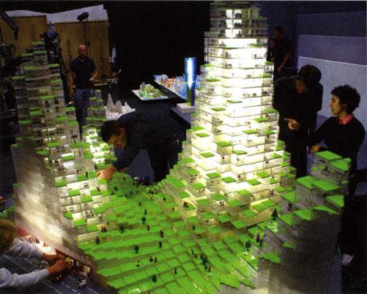 Kai Uwe Bergmann presenterade arkitektkontorets BIG verksamhet i en utställning i New York 2007 med bland annat en legomodell i jätteformat.