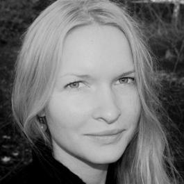 Ida Bennicke är expert på utställningstext.