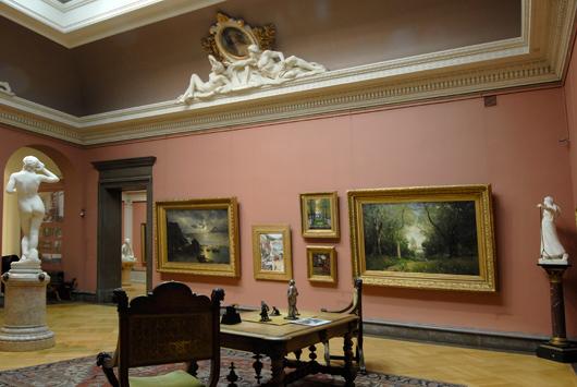 """Liksom alla sina föregångare på chefstolen lät även Flensburg """"nyinstallera"""" Fürstenbergska galleriet, ett av museet mest besökta rum. Bild från 2010. Foto: Lars Noord, Göteborgs Konstmuseum"""