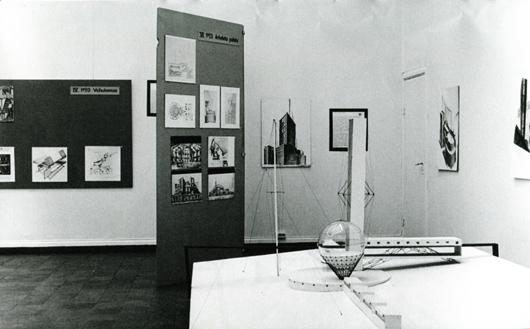 Revolutionsarkitektur. Sovjetunionen 1917-1932 från Techinsche Hogschool, Delft i samarbete med Arkitekturmuseum i Stockholm visades på Göteborgs konsthall 1972. Foto: Ignacy Praszkier, Göteborgs Konstmuseum.