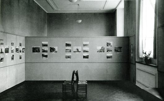 """Göteborgs konstmuseum introducerade tidigare än något annat konstmuseum den fotografiska bilden i utställningsverksamheten. Alfred Westholm var föregångare när han 1953 skrev att """"kamerabilden är av så stor betydelse att den bör beaktas vid det museala samlandet av konst"""" . Bilden visar Halland i bild. Originalfotografier av Mårten Sjöbäck 1931. Foto: Göteborgs konstmuseum."""