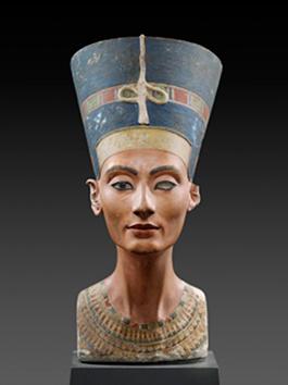 Nefertiti. Bemålad kalksten ca 1345 f.Kr. Foto: Neues Museum, Berlin