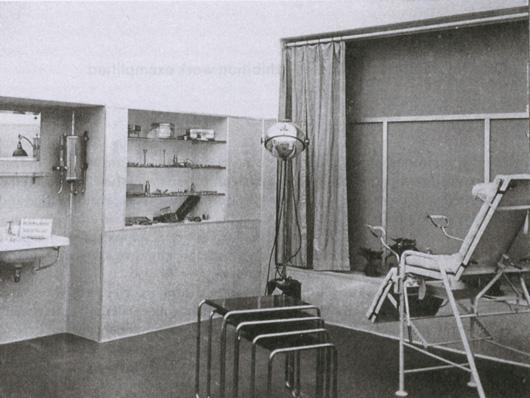En gynekologimottagning i en av Neuraths social utställningar.