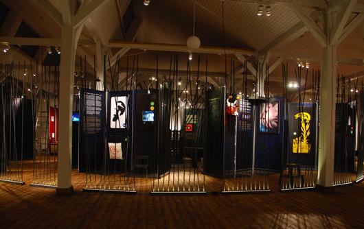 Riksutställningar firar Darwins födelese för 200 år sedan med utställningen VetenSkapelsen 2009. Foto: Rabbe, Mondo arkitekter