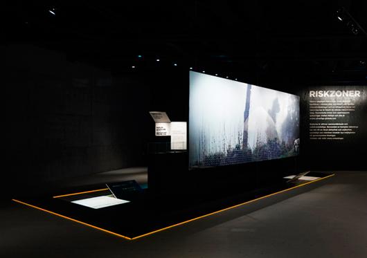 En del av gestaltningen i utställningen Riskzoner på Världskulturmuseet i Göteborg. Foto: Petra Lindfors
