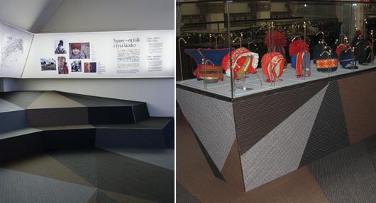 Heltäckande design i Sápmi: Fjällinspirerade mattan/marken täcker golvet och fortsätter upp på sittplatser och montrar. Foto: Mats Landin Nordiska museet och Eva Persson (t.h)